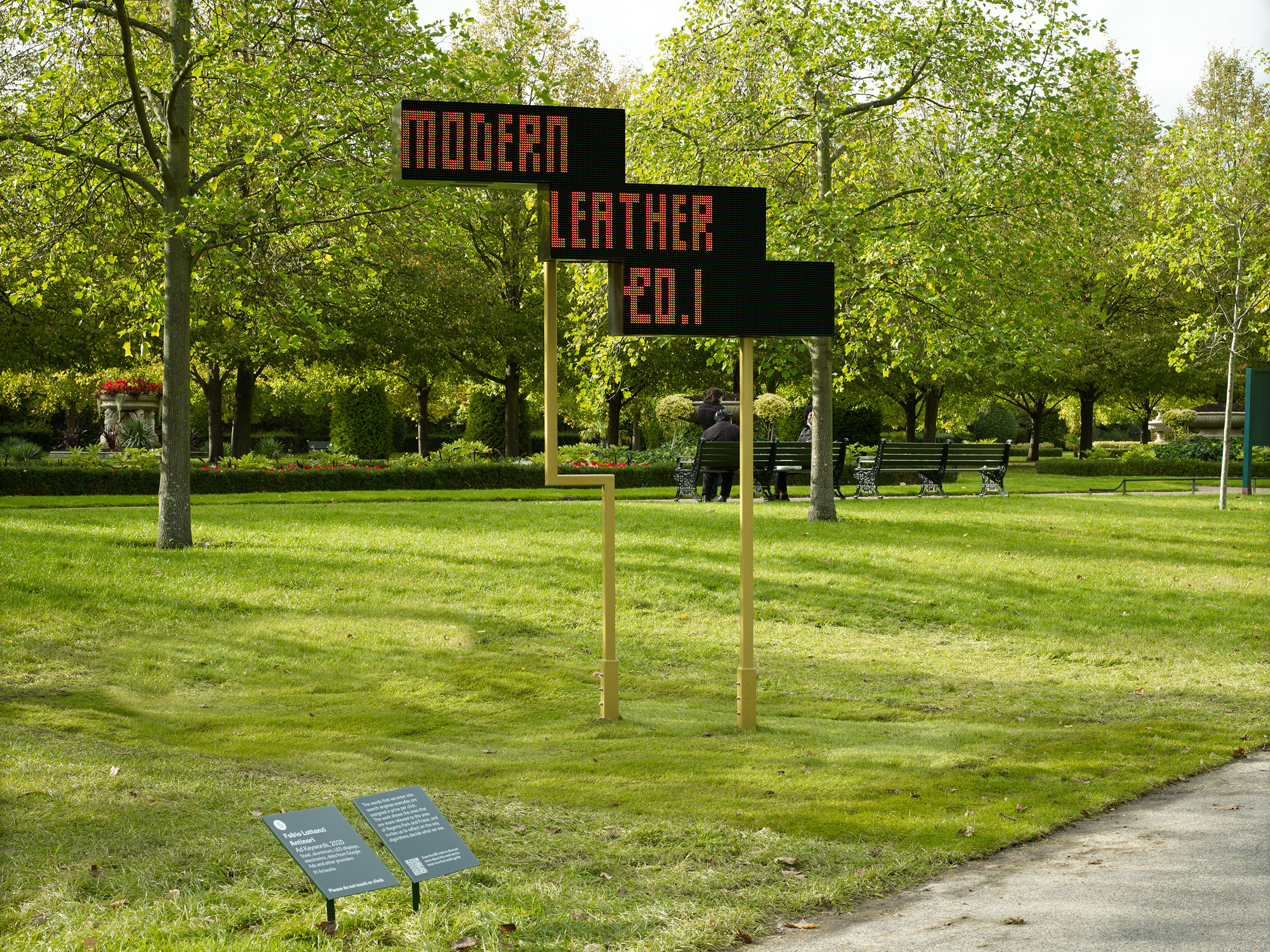 AdKeywords, by Fabio Lattanzi Antinori. Frieze Sculpture Park 2020 with Pi Artworks. Photo: Frieze;